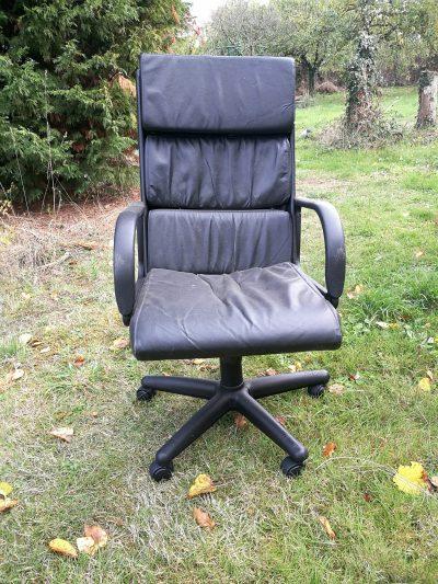 vieux fauteuil de bureau