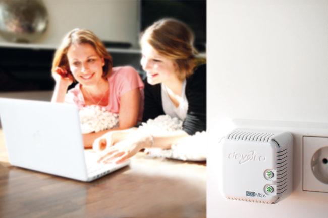 Grâce à un pack CPL/Wi-Fi comme ce dLAN 500 de Devolo, vous pouvez créer en quelques secondes un réseau sans fil et à haut débit dans une pièce.