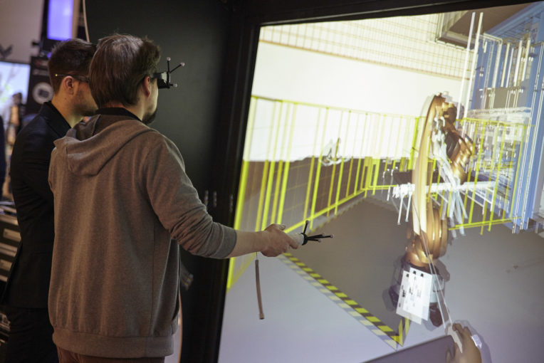 Laval Virtual : 20 ans et un air de parc d'attractions du futur